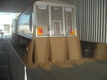 Unloading to Hopper